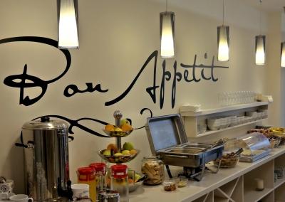 Leone Restaurant2